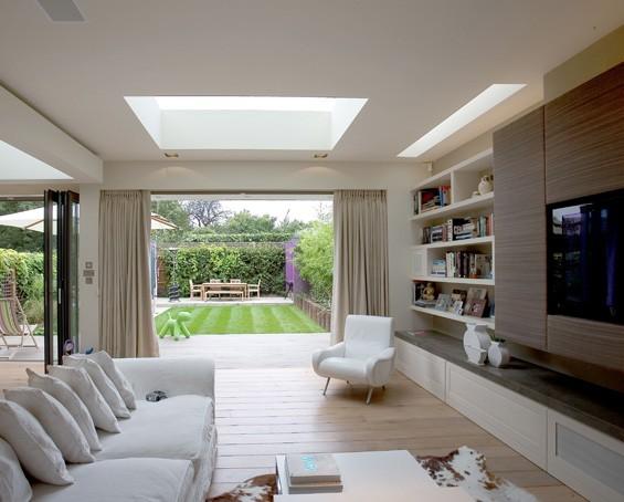 Ev dekorasyon hob k k odalar daha b y k g stermek for Living room extension ideas
