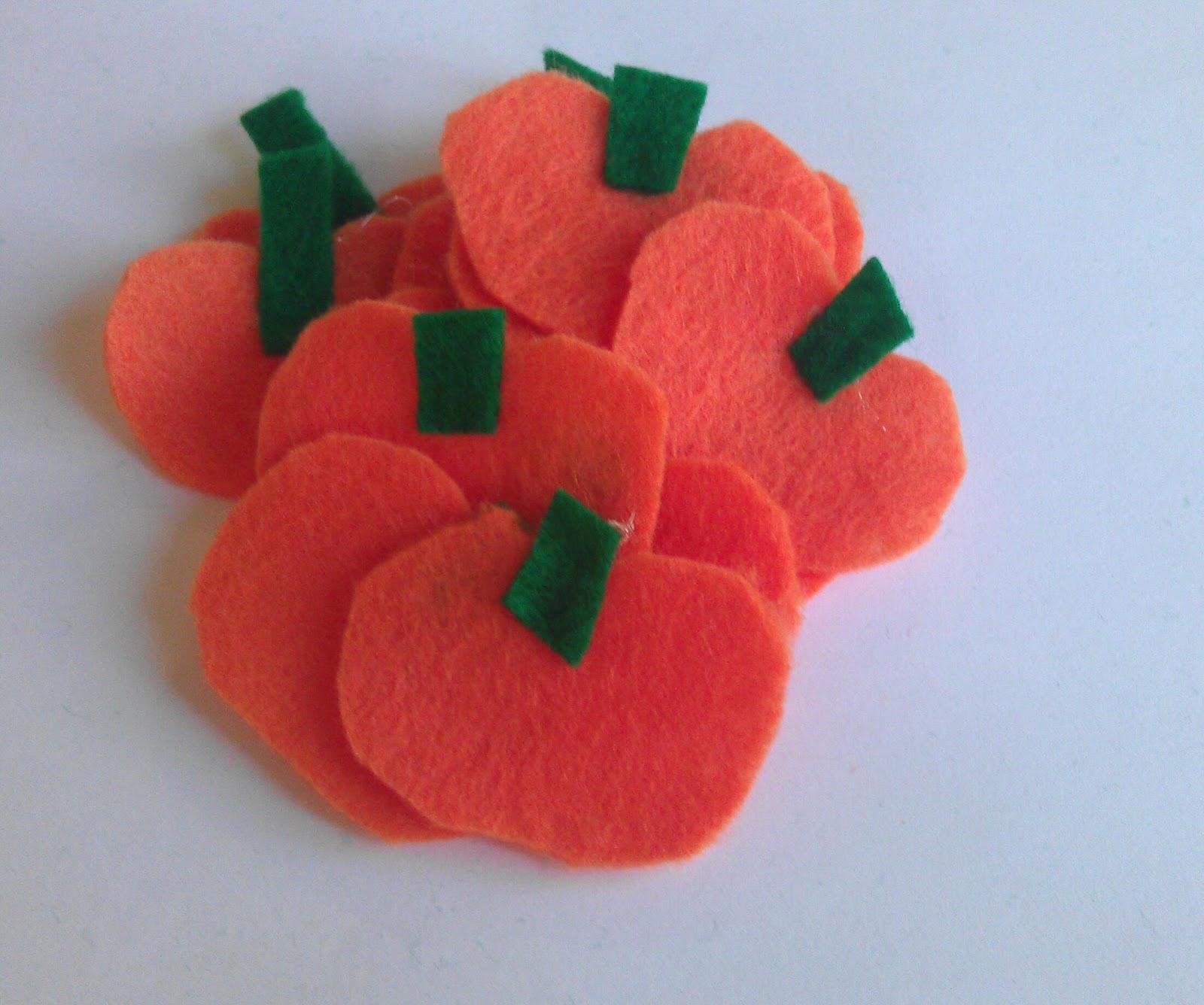 5 Little Pumpkins Felt Finger Puppets Tutorial