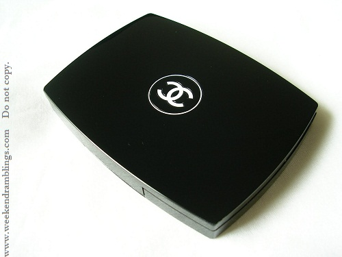 Review:  Chanel Mat Lumiere Luminous Matte Powder Makeup - SPF 10