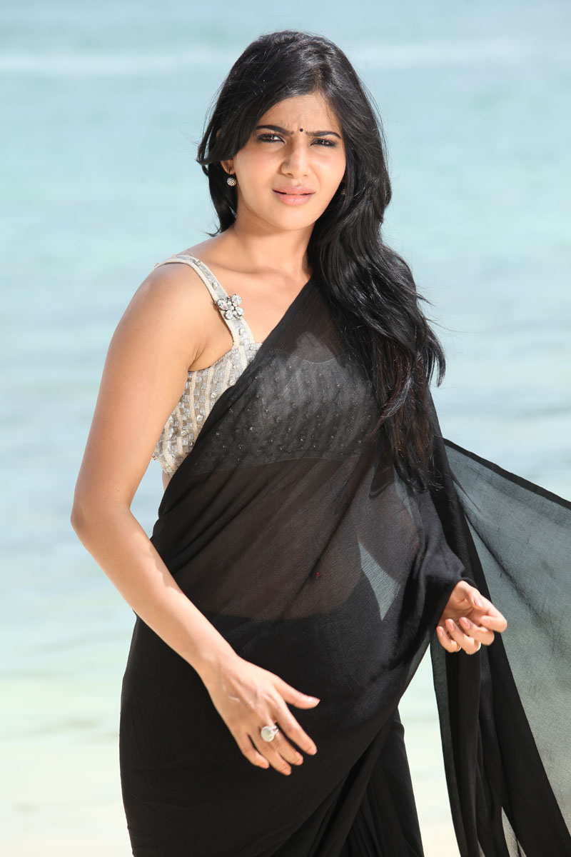 Samantha Ruth Prabhu in black saree, Samantha Ruth Prabhu spicy photos