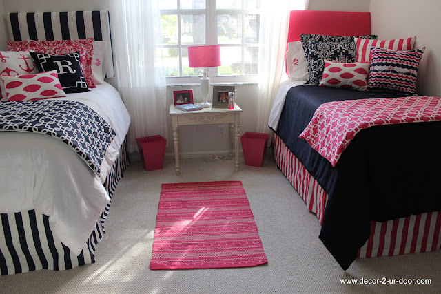 Preppy Dorm Bedding: Bows, Pearls & Sorority Girls: College Essentials