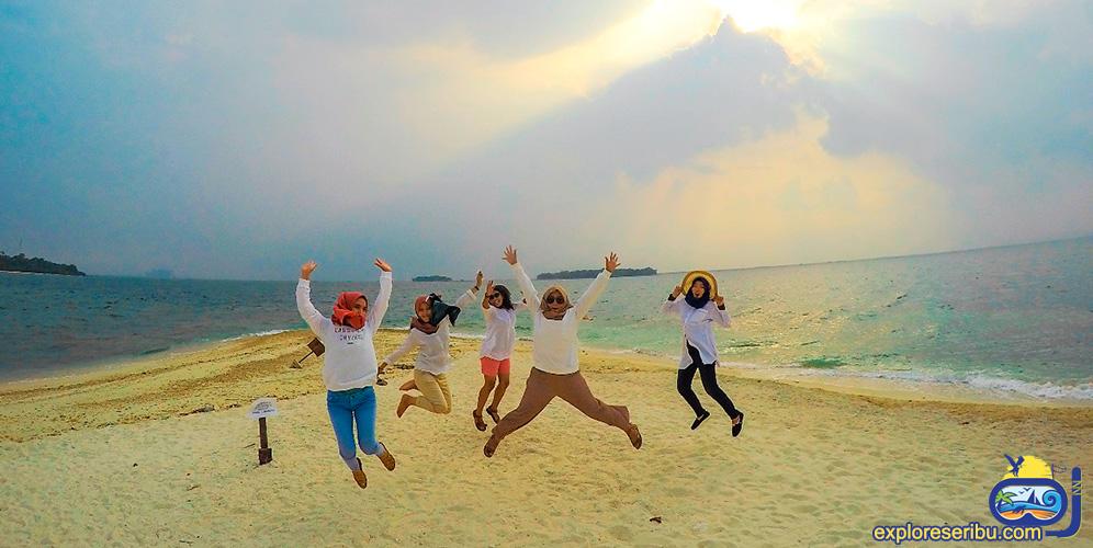 Hopping Island dan Wisata Pantai 3 pulau