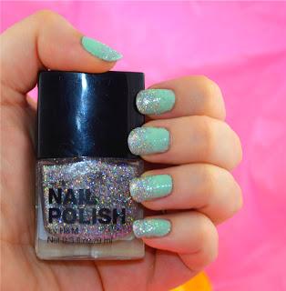 Nail art - ombre nails - nail glitter - nail trends - nail tutorial - nail polish