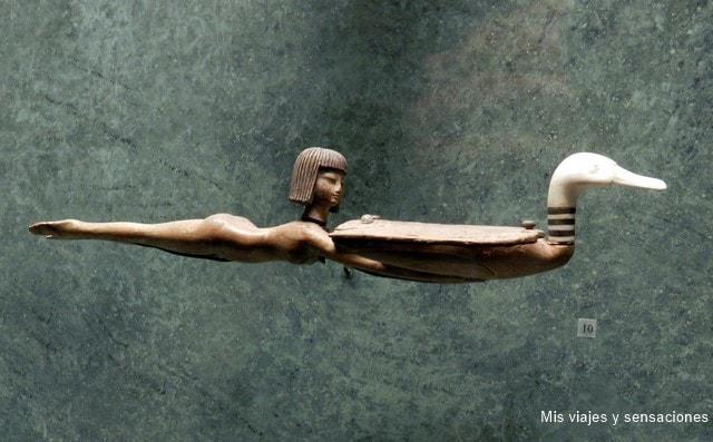 Figura de una cuchara en forma de pato, museo del Louvre, París