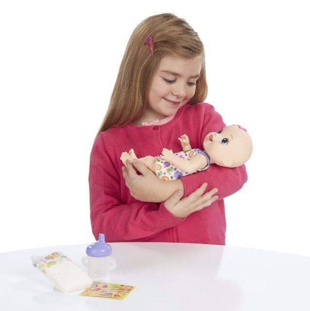 Nằm mơ thấy em bé ôm búp bê - soicauxsmb.com