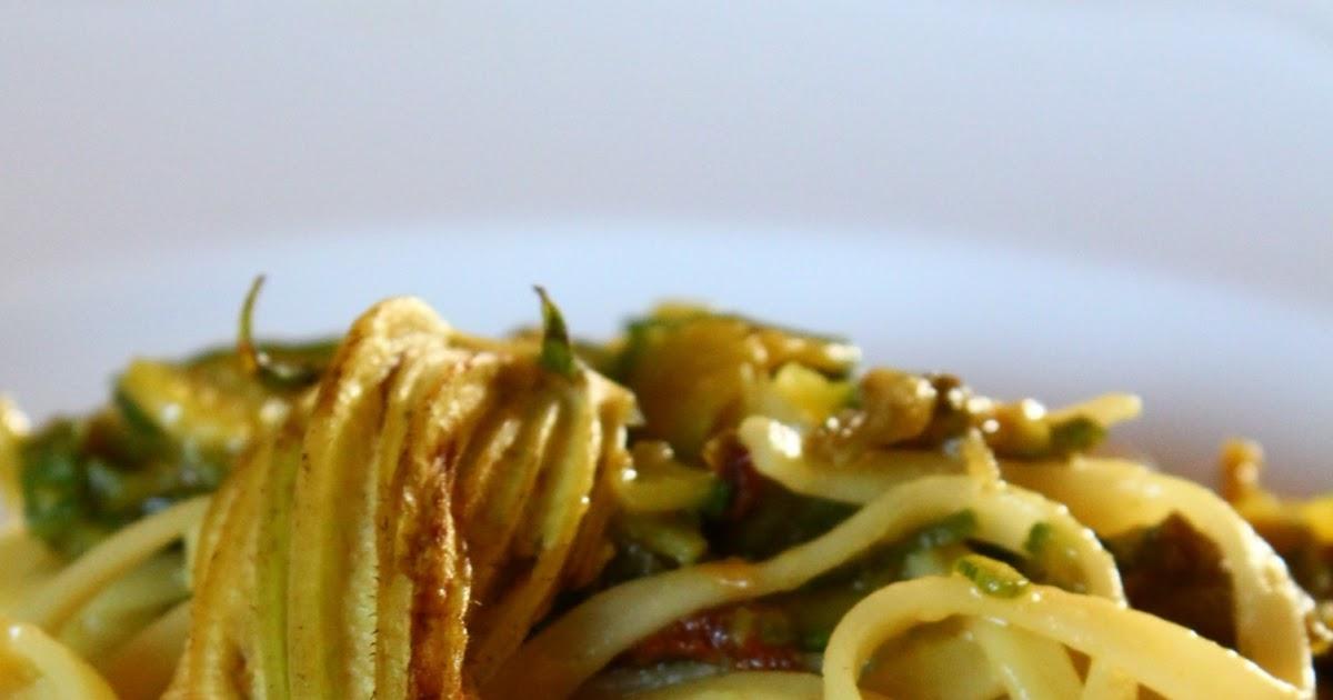 La cucina di zia Simonetta Tagliatelle con zucchine