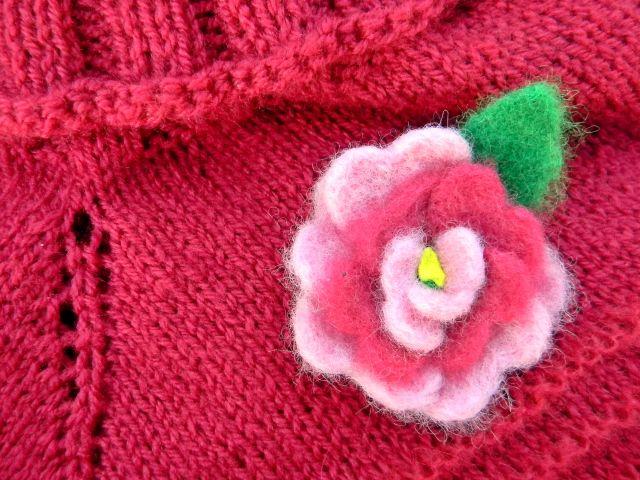 ponczo, rękodzieło, kwiat, szydełko, druty