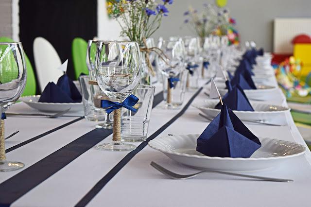 dekoracje stołu marynistyczne