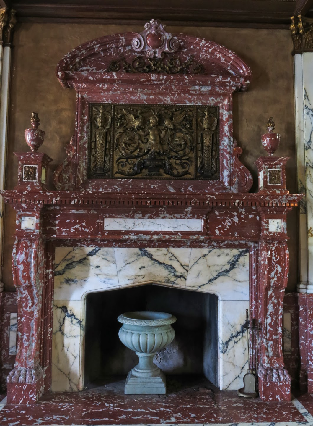 Lucent Moments Swannanoa Palace A Crumbling Gem That