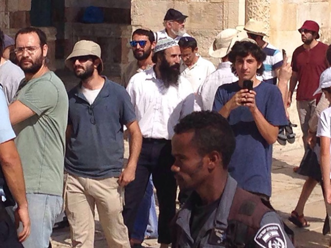 Warga Israel Terobos Paksa Masjid Al-Aqsha