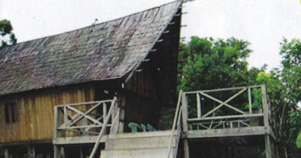 Rumah Adat Betang Di Kudangan Wisata Lamandau