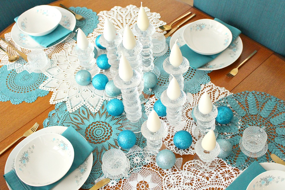 How to style a dining table for Christmas
