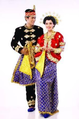 pakaian pengantin suku bima