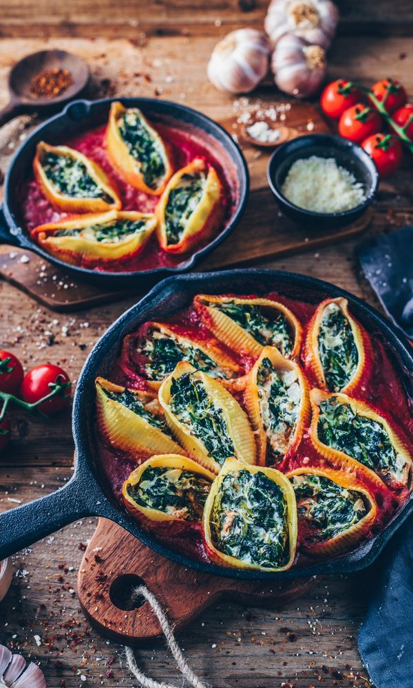 13. Vegan Stuffed Shells with Spinach Cream Finding it hard to stay healthy at Christmas? 30+ Healthy Christmas Dinner Ideas for Entire Christmas Month. christmas dinner food ideas | christmas holiday dinner ideas | christmas dinner meals | christmas dinner hosting | hosting christmas dinner #healthyrecipes #healthyfood #healthyeating #healthyliving