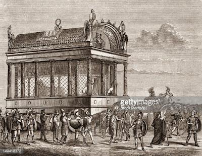 H άμαξα που μετέφερε τη σορό του Μεγάλου Αλεξάνδρου ζύγιζε πάνω από 100 τόνους και την έσερναν 64 ημίονοι. Ήταν διακοσμημένη με τόνους χρυσού και χιλιάδες πολύτιμους λίθους και την άρπαξε ο Πτολεμαίος πριν να φτάσει στον προορισμό της...