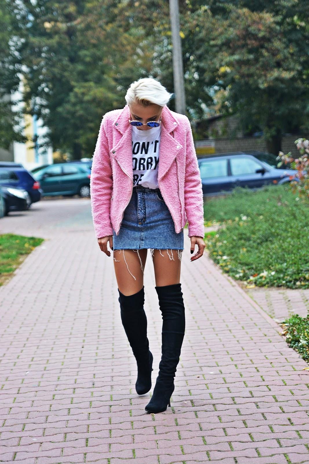 jeansowa_spodnica_rozowa_ramoneska_karyn_1