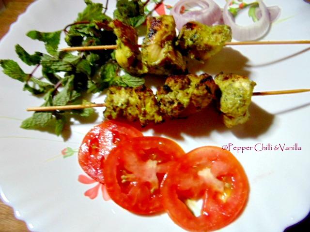 Hariyali Chicken Tikka/Murgh Hariyali Tikka | Pepper, Chilli and ...