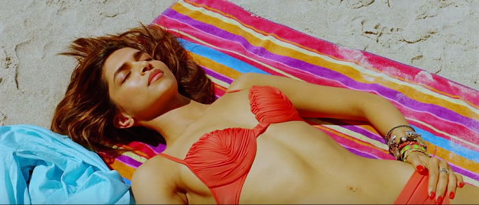 Deepika Padukone Sexiest Bikini Pictures-Bra,Swimwear & Hot Cleavage Photos