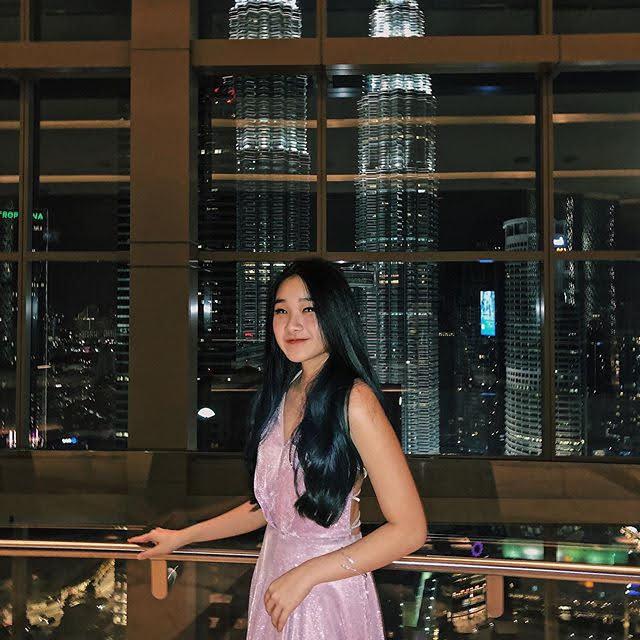 Xin Yi 17