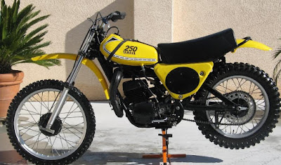 1975 Yamaha YZ250, The First use Monoshock Suspension And Valve Reed on Dirt Bike