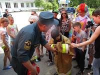 (ФОТО) Я б в пожарные пошел пусть меня научат