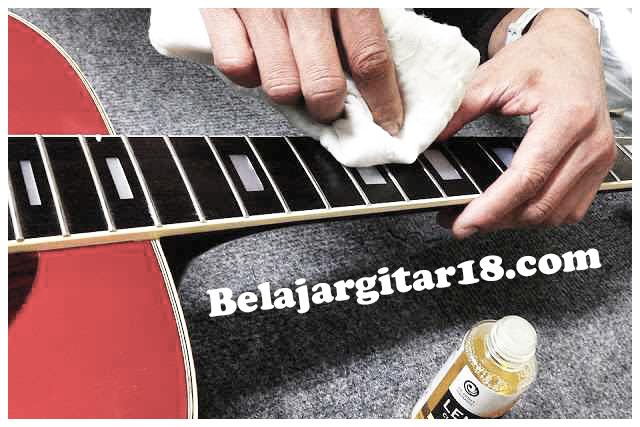 Cara merawat gitar
