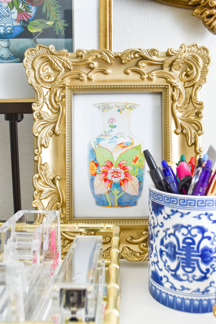 Free tobacco leaf vase printable- an elegant and colorful art print for anyone who loves color and chinoiserie.