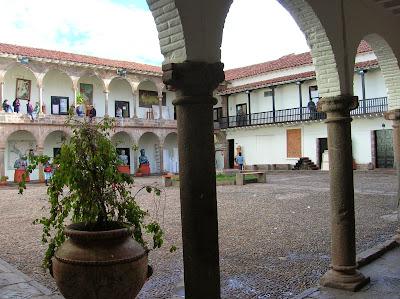 Escuela de Artes, Cusco, Perú, La vuelta al mundo de Asun y Ricardo, round the world, mundoporlibre.com