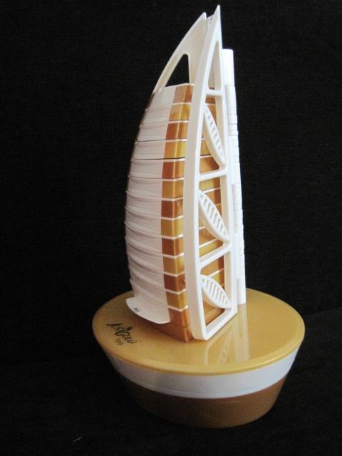 prezent z Dubaju, co mozna kupić w Dubaju, żaglowiec wieżą