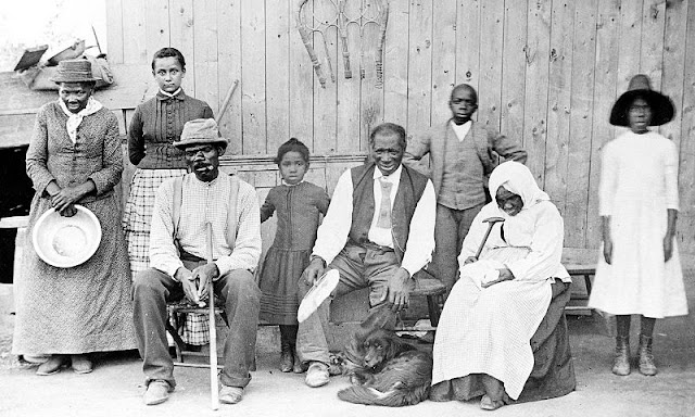 Image: Harriet Tubman, with rescued slaves, New York Times. Source: Kate Clifford Larson
