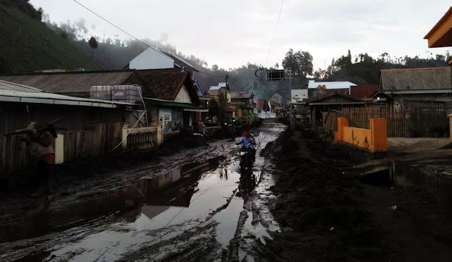 Banjir bandang di Ranu Pani