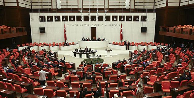 Parlemen Turki Membentuk Hukum Perburuhan Baru Pada Orang Asing