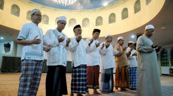 Doa Qunut Subuh Witir Dan Nazilah Lengkap Dengan Hukum dan Tata Cara Pelaksanaanya