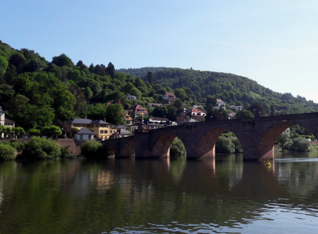 Travel guide Heidelberg, Germany: Heidelberg Old Bridge | Happy in Red