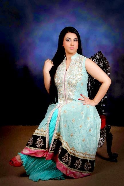 adbe2924e Plus Size Designer Dresses for Healthy Women Rang Kadah - Anum Lawn ...