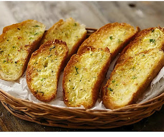 how to make garlic bread at home