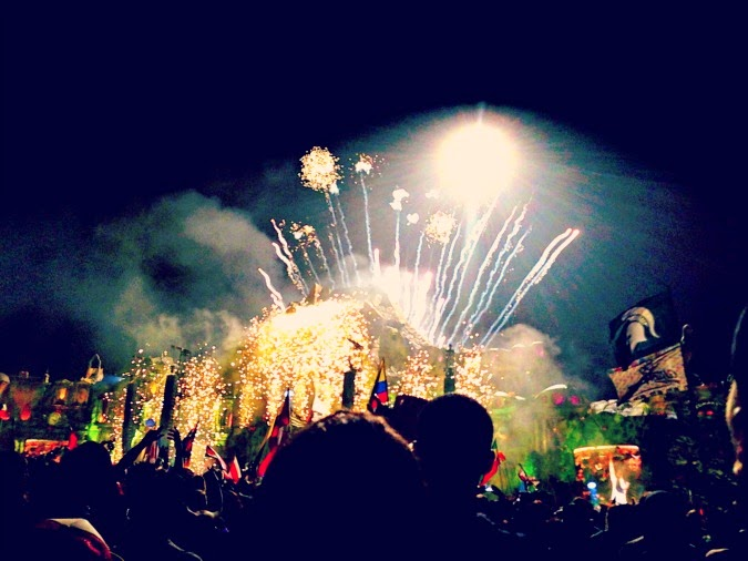 mainstage tomorrowworld fireworks