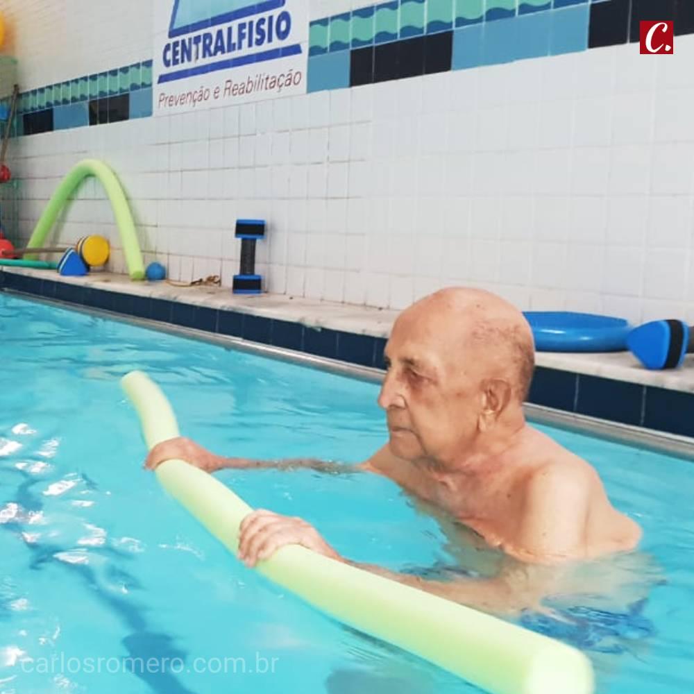 ambiente de leitura carlos romero arquiteto germano romero hidroginastica viajar cadeira de rodas saude do idoso melhor idade mar morto