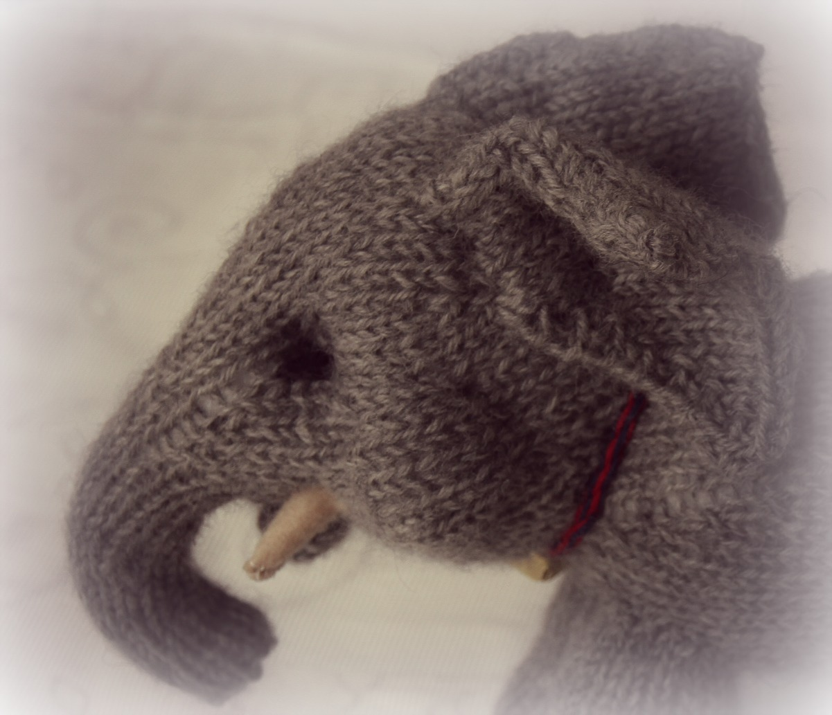 Easy Elephant Knitting Pattern : Susie McMahon Dolls