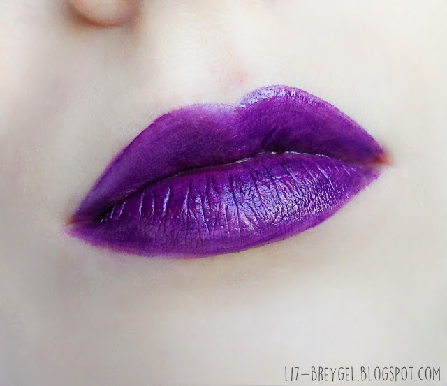 dark vampire gothic halloween lips review pictures tutorial purple violet lip paint