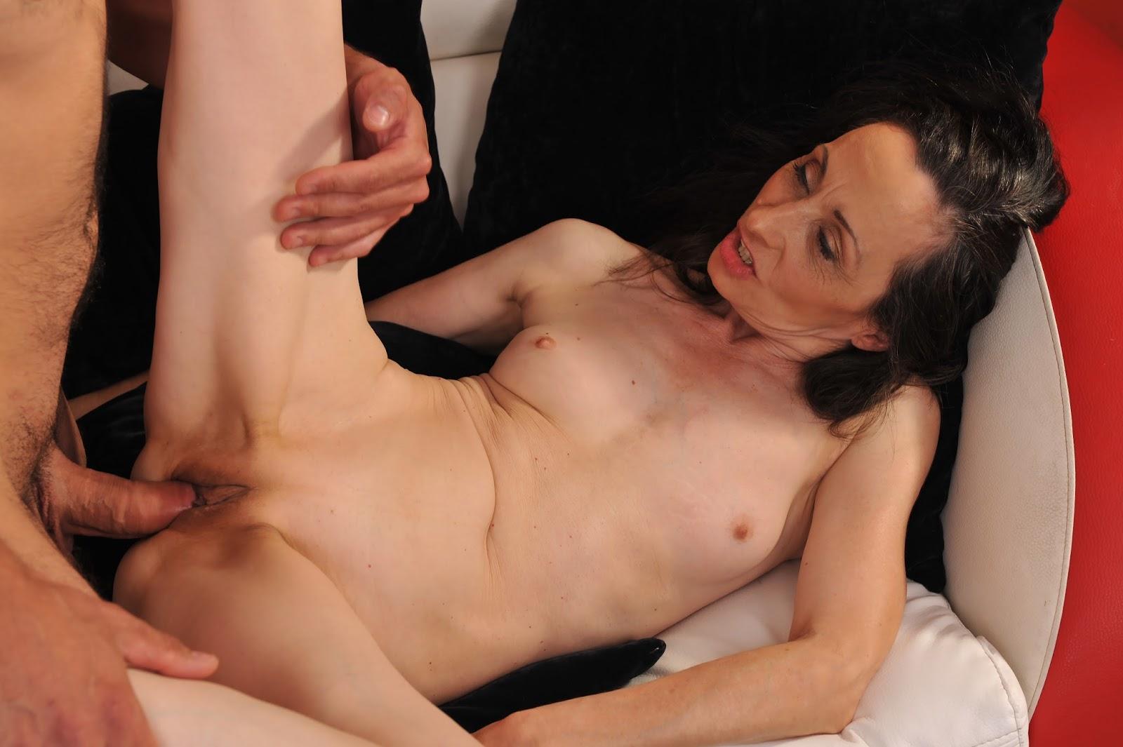 Skinny mature anal sex