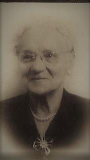 Elizabeth Legacy funeral card photo