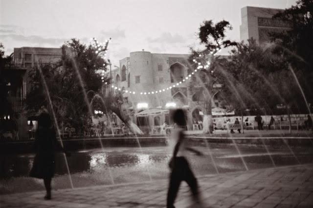 Ouzbékistan, Boukhara, Lyab-i-Hauz, © L. Gigout, 1999