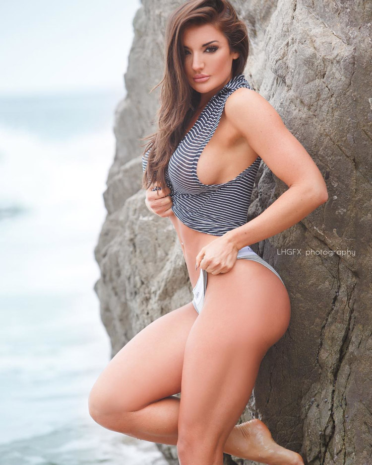 Whitney Johns a real fitness bombshell