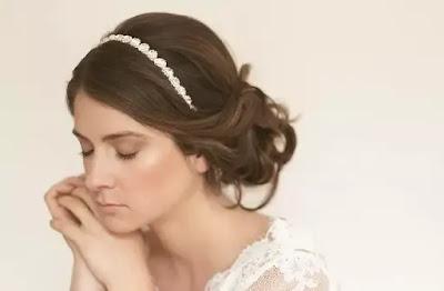 Peinado de novia con tiara