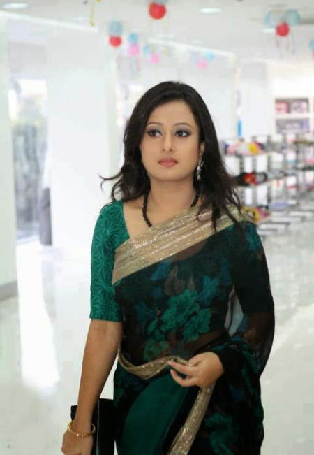 Bangladeshi Movie Actress Purnima   photo album 24