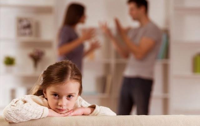 6 Pertanyaan Anak Saat Orang Tua Berpisah