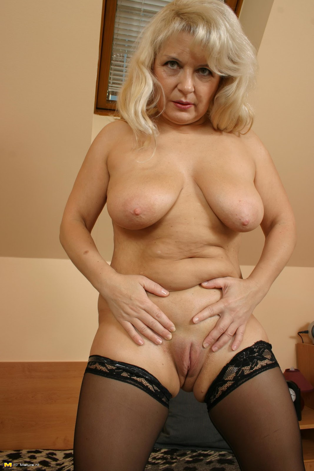 Drunk mature women-7152