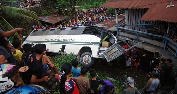 Polisi Belum Mengetahui Penyebab Kecelakaan Bus universitas Kampus Andalas