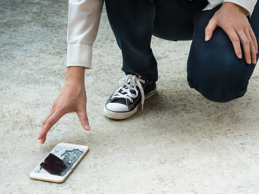 raul vittor alfaro pantalla rota smartphone